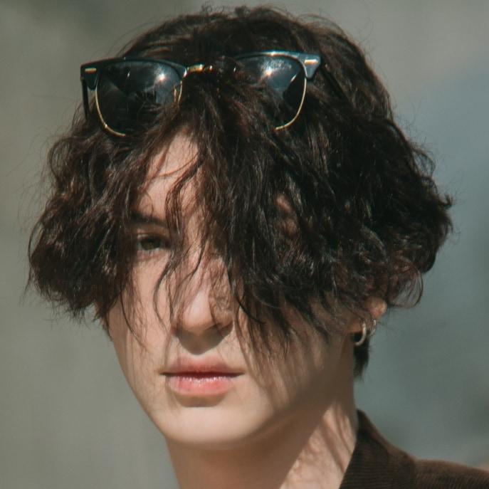 Bosan Cepak? Nih, 10 Model Rambut Pria Panjang untuk Lo!
