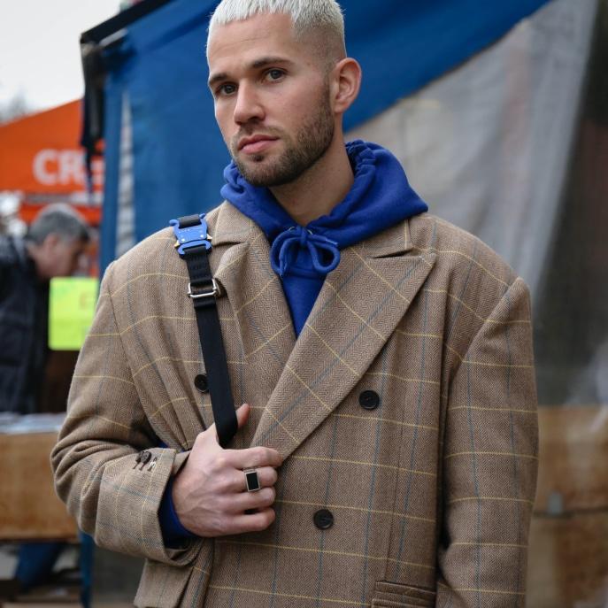 7 Model Rambut Pria Rapi untuk Berbagai Acara | Axe