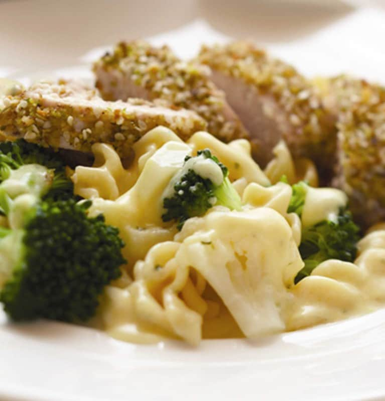 Walnut-and-sesame-chicken-with-four-cheese-pasta