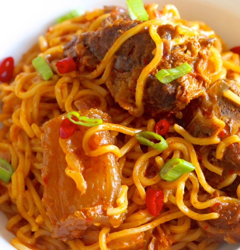 Jollof spaghetti with chicken