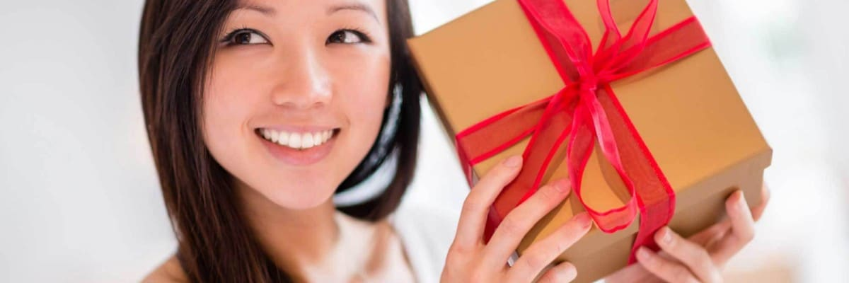 Give Gifts Like a True Beauty Aficionado